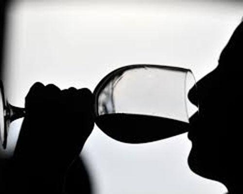 Beber vino cata