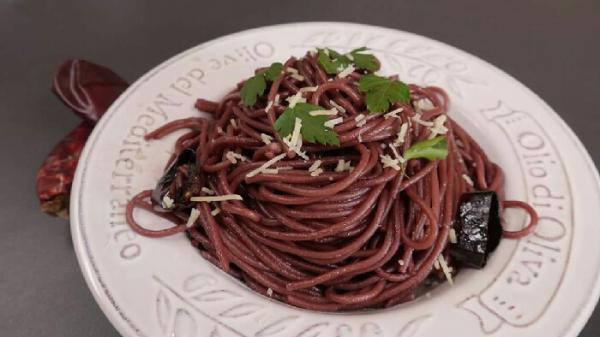 Espaguetis al vino tinto Murillo Viteri