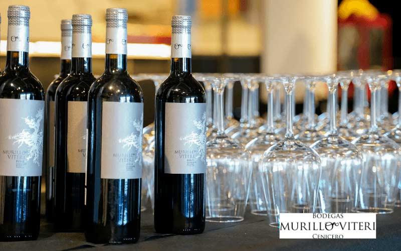 Cata de vino tinto Murillo Viteri